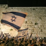 Jerusalem-Day-celebrating-Kotel-14